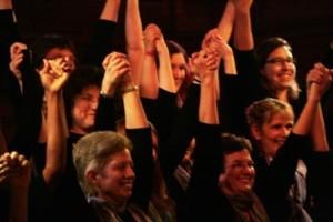 Show hands Anna Crusis